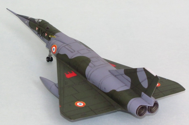 The pointy shape of the Mirage IVA's wings and forward fuselage seem at odds with the rather boxy main body, but the combination worked! There was a project for an even bigger bomber, but it went nowhere.