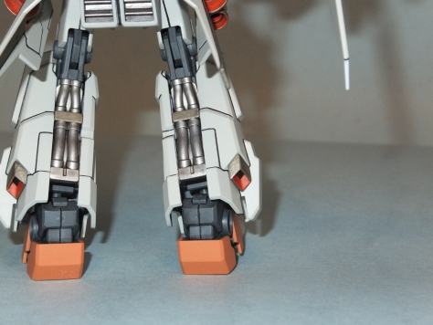 Using metal shades with a wash brings out the hoses on the back of the legs.